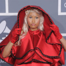 Nicki Minaj nonne blonde platine coloration Grammy Awards 2012