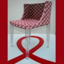 5 chaises Kartell relookées pour Sidaction
