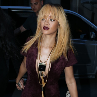 Rihanna et sa coloration blonde platine à Paris, le 4 juin 2013