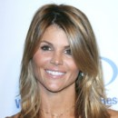 people : Lori Loughlin