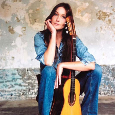 Carla Bruni sort son nouvel album