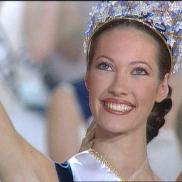 Miss France 1999 - Mareva Galanter