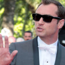 Jude Law Cannes 2011 montée des marches Tree of Life