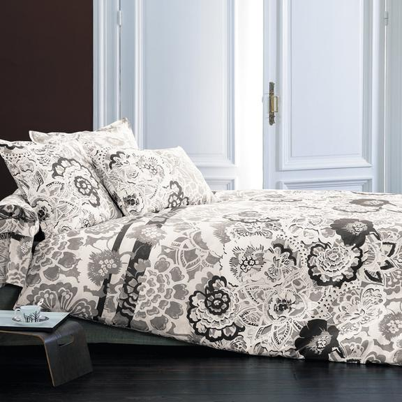 linge de maison la collection cosy de carr blanc. Black Bedroom Furniture Sets. Home Design Ideas
