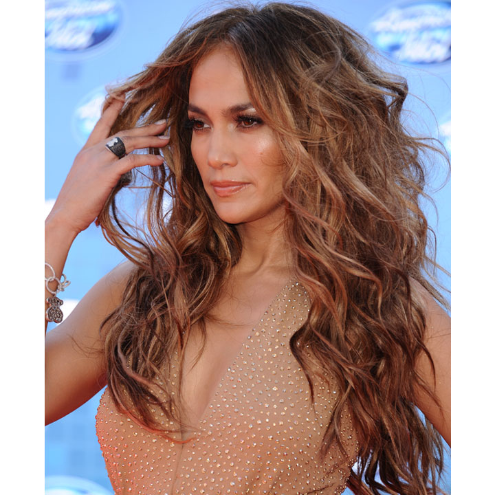 coiffure du jour jennifer lopez et ses ondulations de. Black Bedroom Furniture Sets. Home Design Ideas