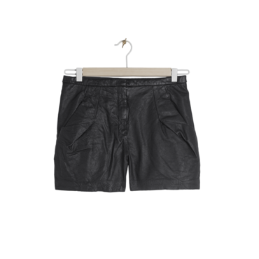 Le short en cuir &Other Stories, 175 euros