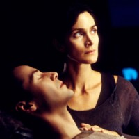 Photo : Carrie-Anne Moss et Keanu Reeves dans Matrix