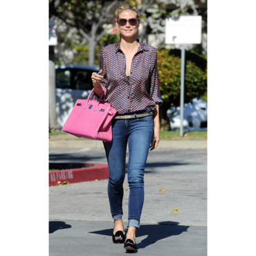 heidi klum casual chic dans les rues de los angeles mode. Black Bedroom Furniture Sets. Home Design Ideas