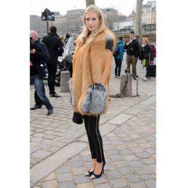Fashion on La Fashion Week Parisienne  La Belle Blonde Sait Se Faire Remarquer