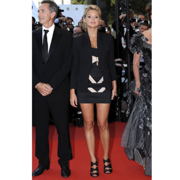 Virginie Efira en mini robe à Cannes