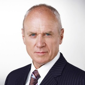 peopel : Alan Dale