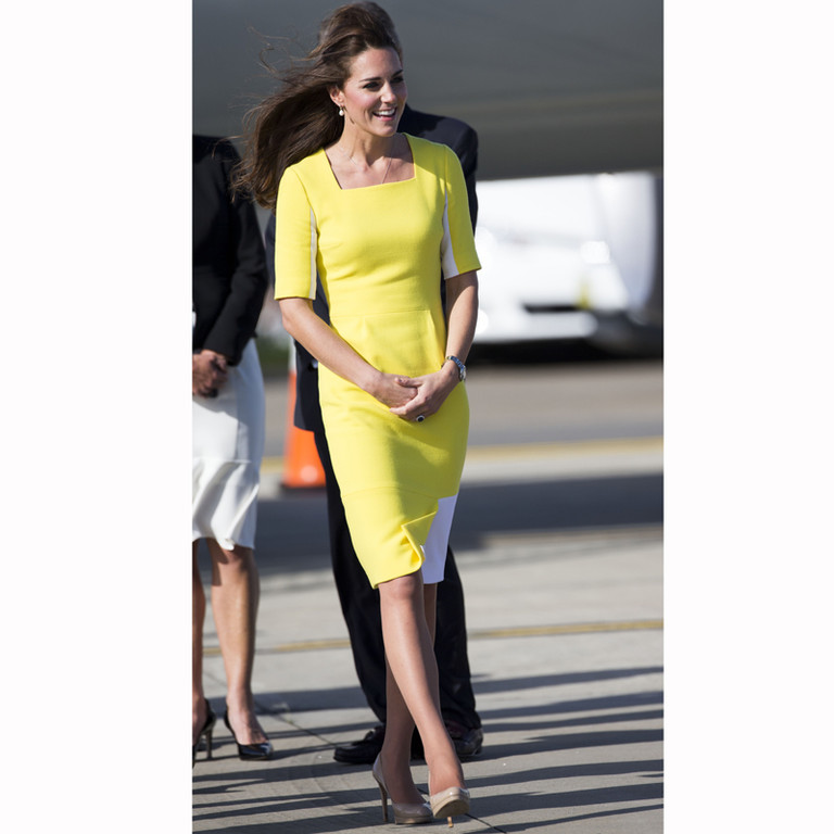 Kate Middleton à la descente de l'avion à son arrivée à Sidney le 16 avril 2014