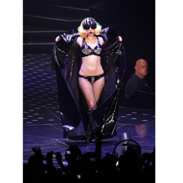 Lady Gaga en mode cuir