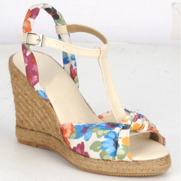 Sandales Betty London 55 euros - chez Spartoo.com