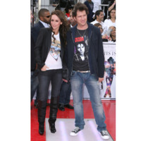 Photo : Jennifer Love Hewitt et son chri rendent hommage  Michal Jackson