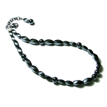 Black is beautiful - collier en hématite par Le Moino