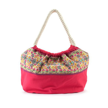Sac brodé New Look 34,99 euros