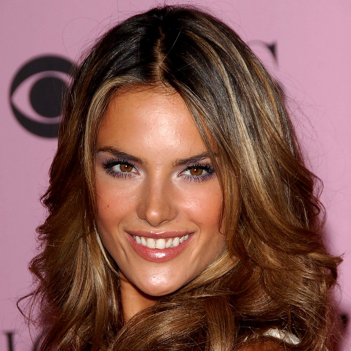 le top model alessandra ambrosio enceinte d 39 un 2 me enfant actu people. Black Bedroom Furniture Sets. Home Design Ideas