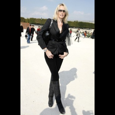 Les stars à la Fashion Week de Paris : Estelle Lefébure