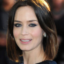 Emily Blunt tie and dye avant premire Pche au saumon au Yemen  Londres avril 2012