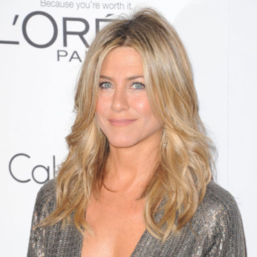 Jennifer Aniston et son brushing ondulé