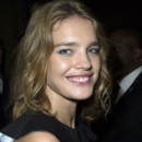 La belle Natalia Vodianova irradiait de beauté à l'entrée du défilé Givenchy.