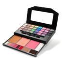 Palette beauty clutch absolument indispensable Eyes Lips Face à 12 euros