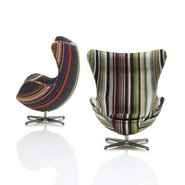 Chaise Egg par Paul Smith