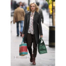 Fearne Cotton et son look preppy boyish-Londres