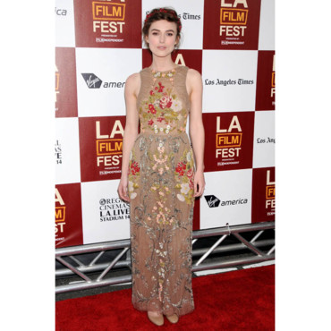 Keira Knightley en Valentino- Première Seeking a Friend for the End of the World-Los Angeles