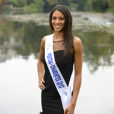 Candidates Miss France 2013 : Typhanie Soulat, Miss Poitou-Charentes 2012