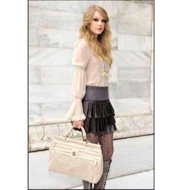 Taylor Swift et son sac Peekaboo