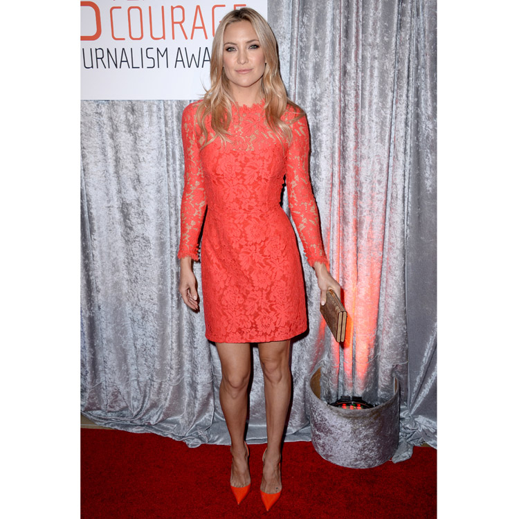 Kate Hudson et sa robe corail Temperley London à Los Angeles le 28 octobre 2014