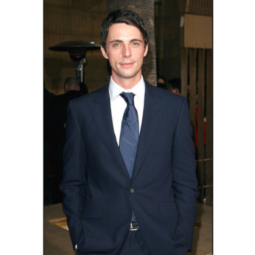 Sourire Matthew Goode première de Look Out Hollywood