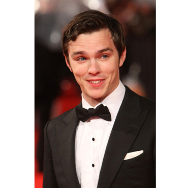 Sourire Nicholas Hoult Orange British Academy Film Awards Londres