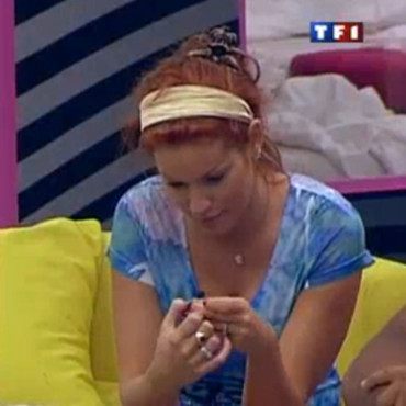 Secret Story 4 : Anne-Krystel et son bandeau tue l'amour