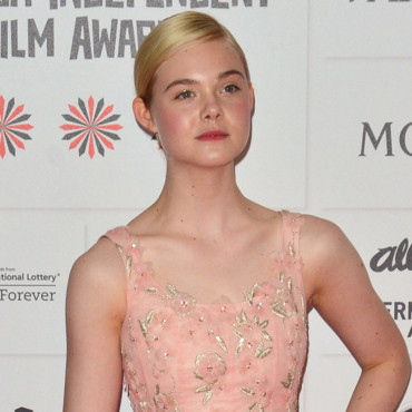 Elle Fanning en Oscar de la Renta aux British Independent Film Awards