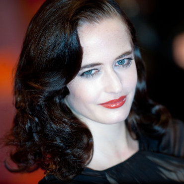 Eva Green février 2011 coiffure Retro Orange British Academy Film Awards Londres
