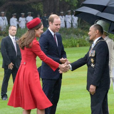 Kate Middleton et le Prince William rencontre le premier ministre néo-zélandais, le 7 avril 2014, à Wellington.