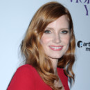 Look beauté du jour : le faux smoky de Jessica Chastain à New York