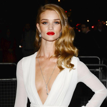Rosie Huntington-Whiteley à la soirée Moet & Chandon Etoile Awards