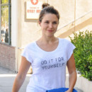 Sophia Bush au naturel le 22 août 2013 en Californie