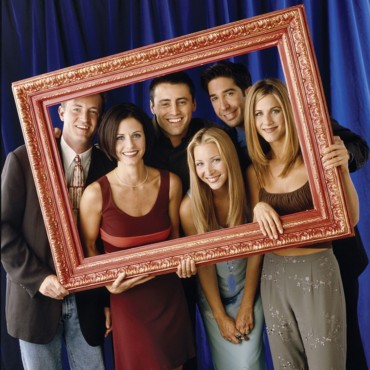 people : Matthew Perry, Matt Leblanc, David Schwimmer, Lisa Kudrow, Jenifer Ansiton et Courteney Cox