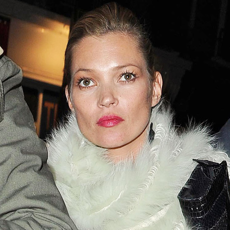 Kate Moss et son look beauté à la Fashion Week