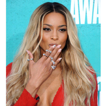 Ciara blond décoloré coloration MTV Movie Awards 2012