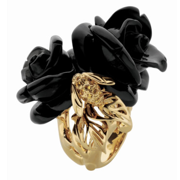 BAGUE ROSE DIOR PRE CATELAN OR JAUNE DIAMANTS SAPHIRS JAUNES ONYX