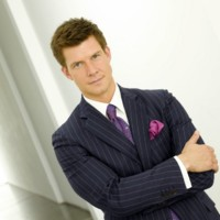 people : Eric Mabius