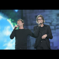 Photo : Christophe Willem en duo avec Pierre Palmade pour les Enfoirés