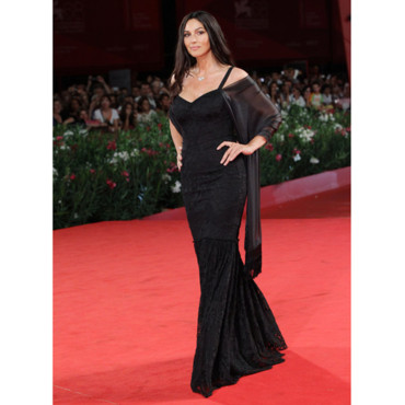 tendance tapis rouge les stars la mostra de venise monica bellucci la premi re de un t. Black Bedroom Furniture Sets. Home Design Ideas