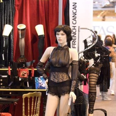 Mannequin French Cancan